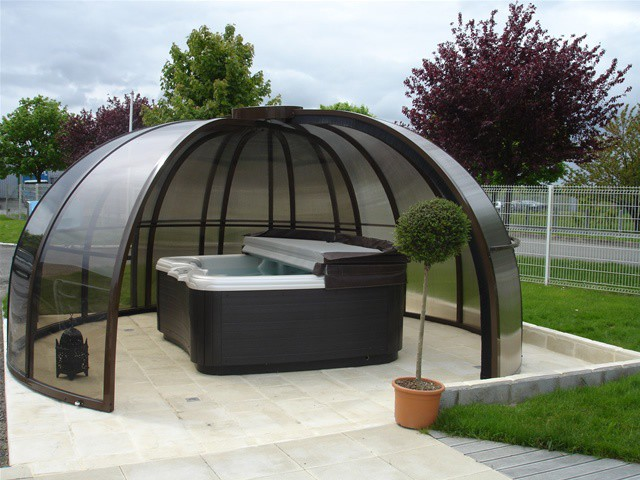 Un abri pour un spa ext rieur - Prix d un spa exterieur ...